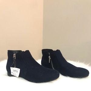 Blue flat ankle boot